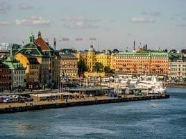 Bostadspriserna sjunker i Stockholm