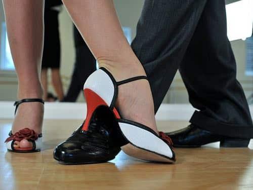 Ge bort danslektioner till brudparet