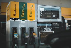 Sänkt bensinskatt i juli
